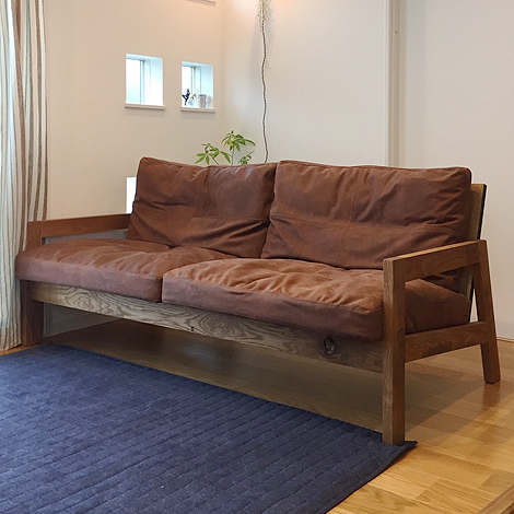 084_GRID SOFA/3P/OAK