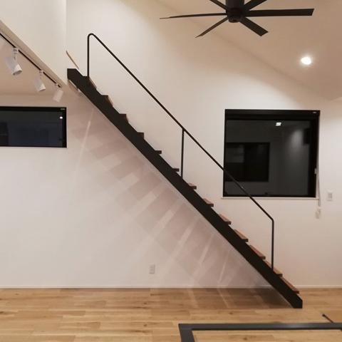 252_階段、手すり、窓